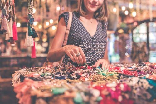 Diferencias entre joyería artesanal y bisutería - Joyería Montón