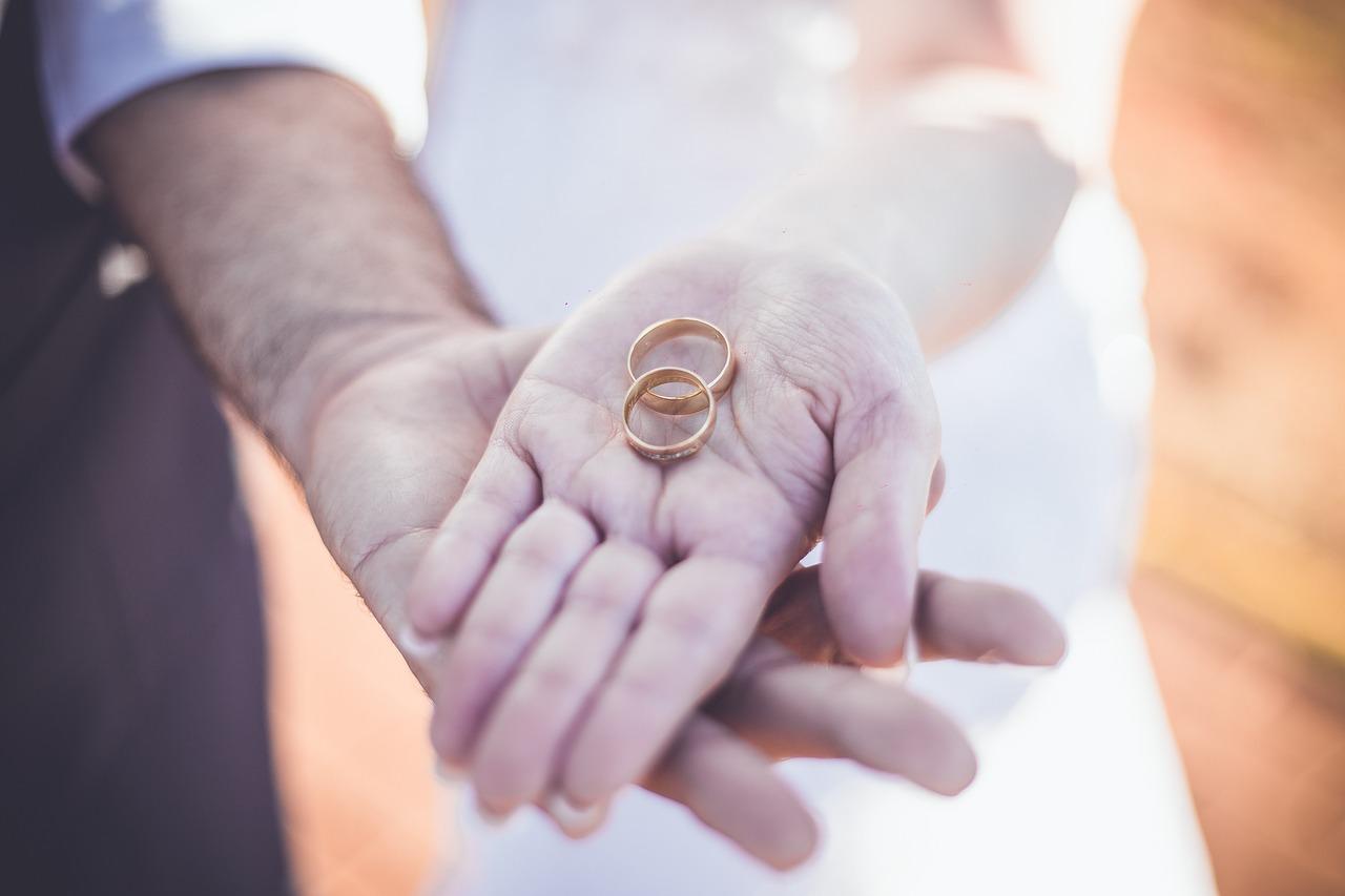 Consejos para elegir tu alianza de boda