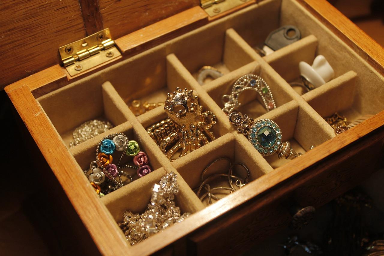 Cómo saber si una joya es de oro puro - Joyería Montón